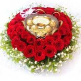 roses-heart-chocolates.jpg