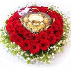 roses-heart-chocolates.jpg